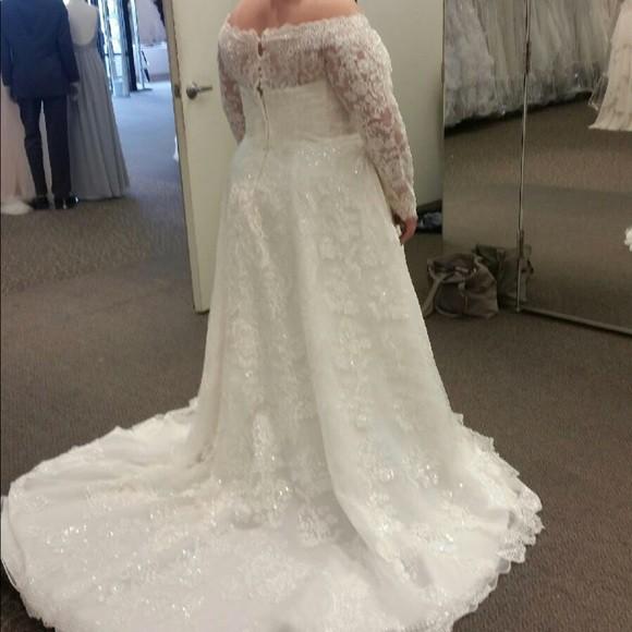 Oleg Cassini CWG765 New Wedding Dress On Sale 45% Off