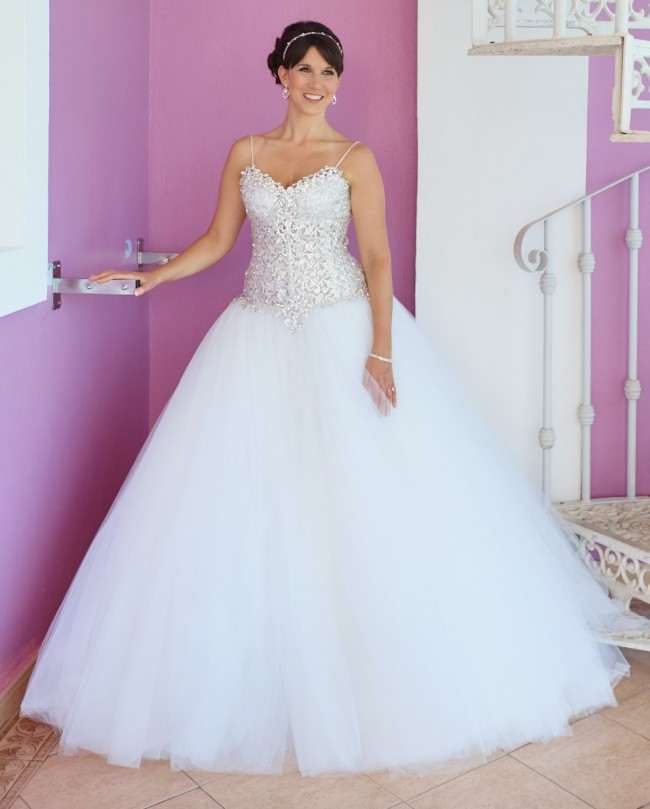 77be455f78ed Pnina Tornai 4385 Second Hand Wedding Dress on Sale 54% Off ...