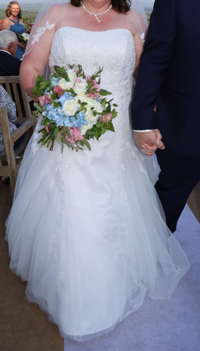 David's Bridal Collection 9v3489
