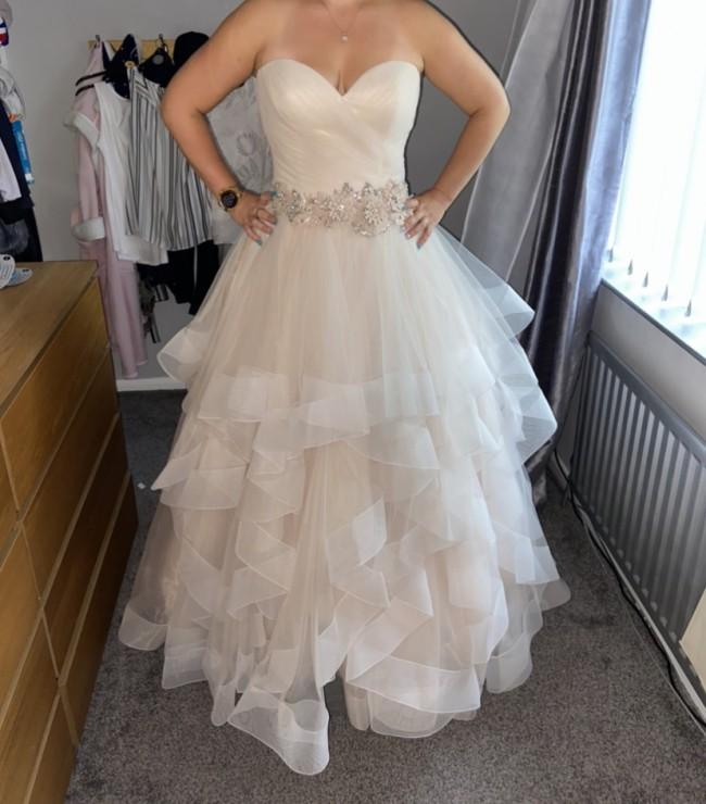 Allure Bridals Destiny 9408