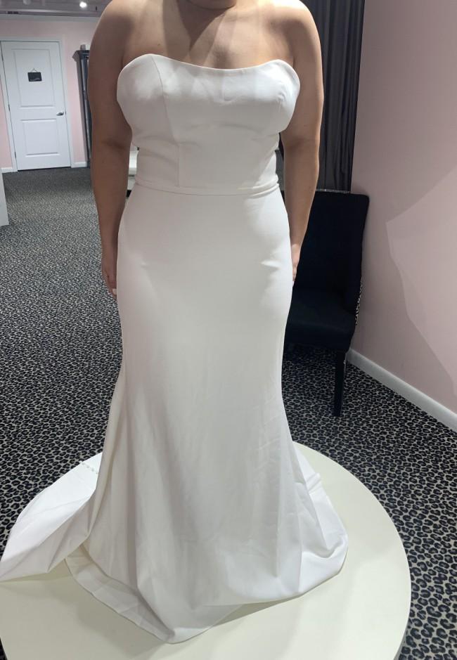 Allure Bridals 9810