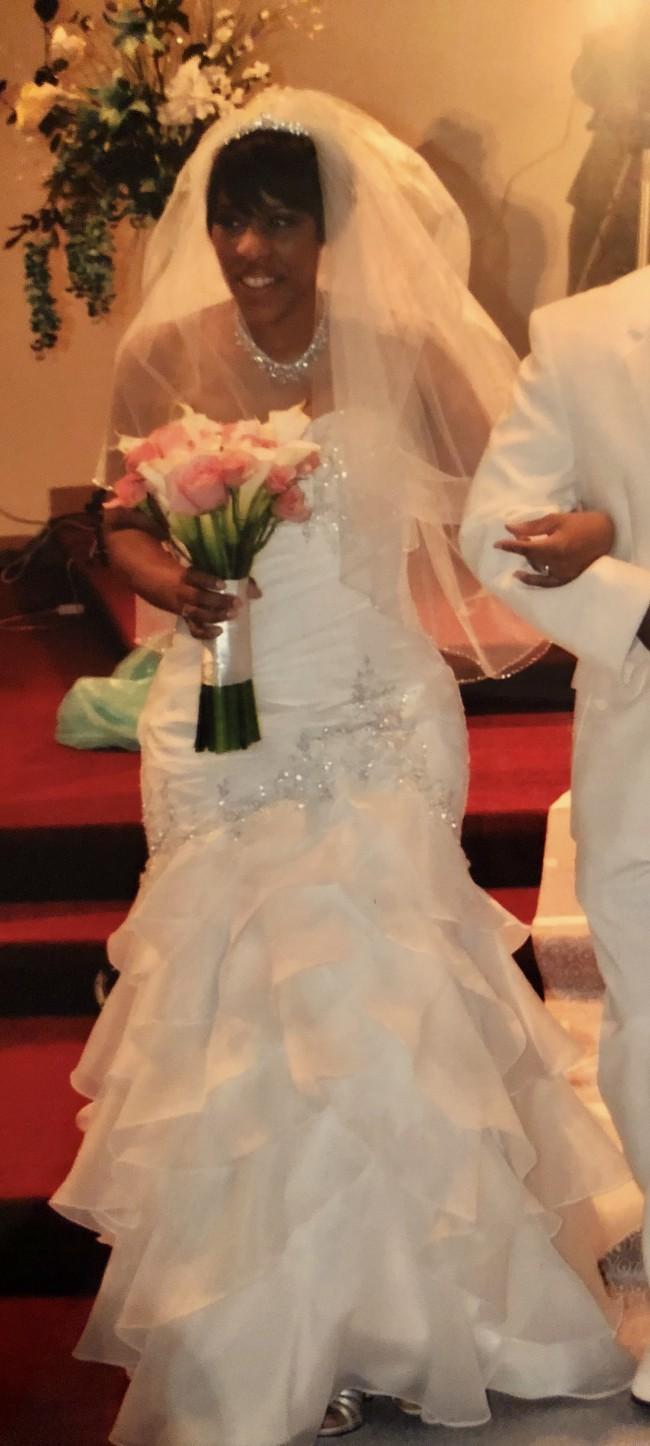 Allure Bridals 8815