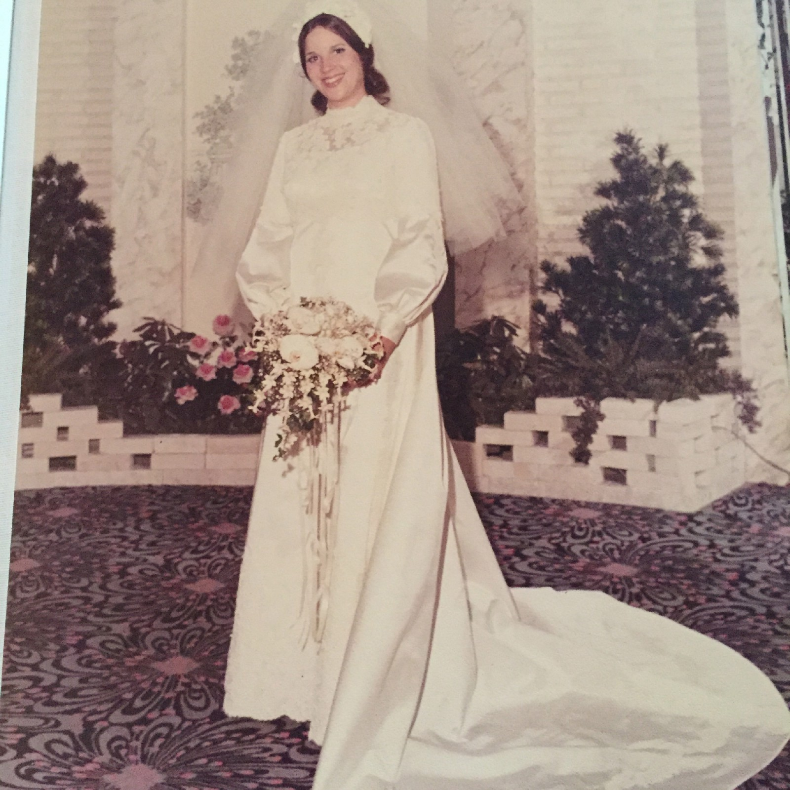 Vintage Wedding Dresses Nyc: Saks Fifth Avenue New York Vintage Used Wedding Dress On