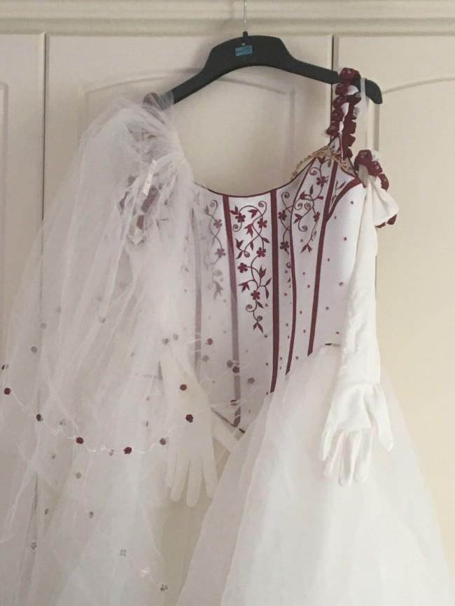 Sincerity Bridal, 2928