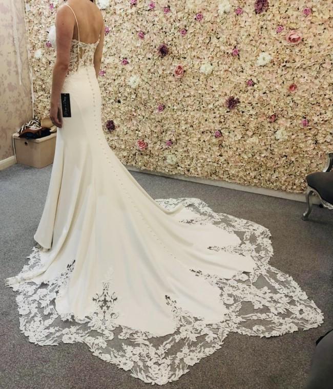 Allure Bridals Amalfi 9702
