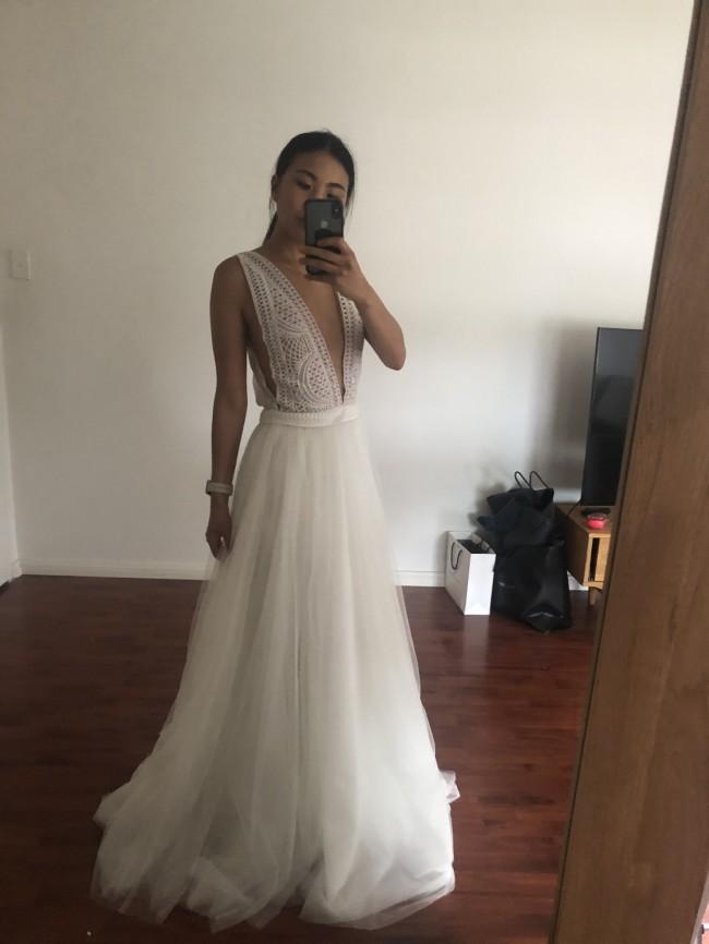 One Day Bridal, Sabrina