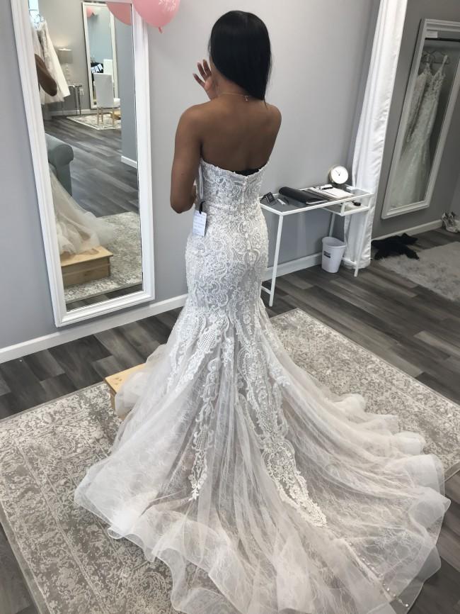 Allure Bridals, Allure 9601