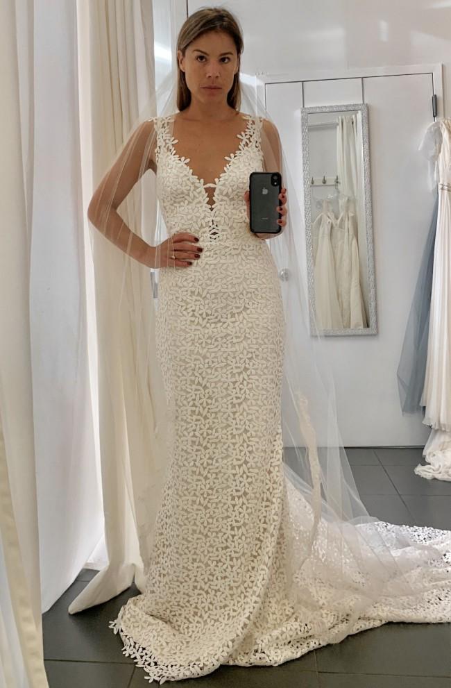 Laudae Jasmine gown