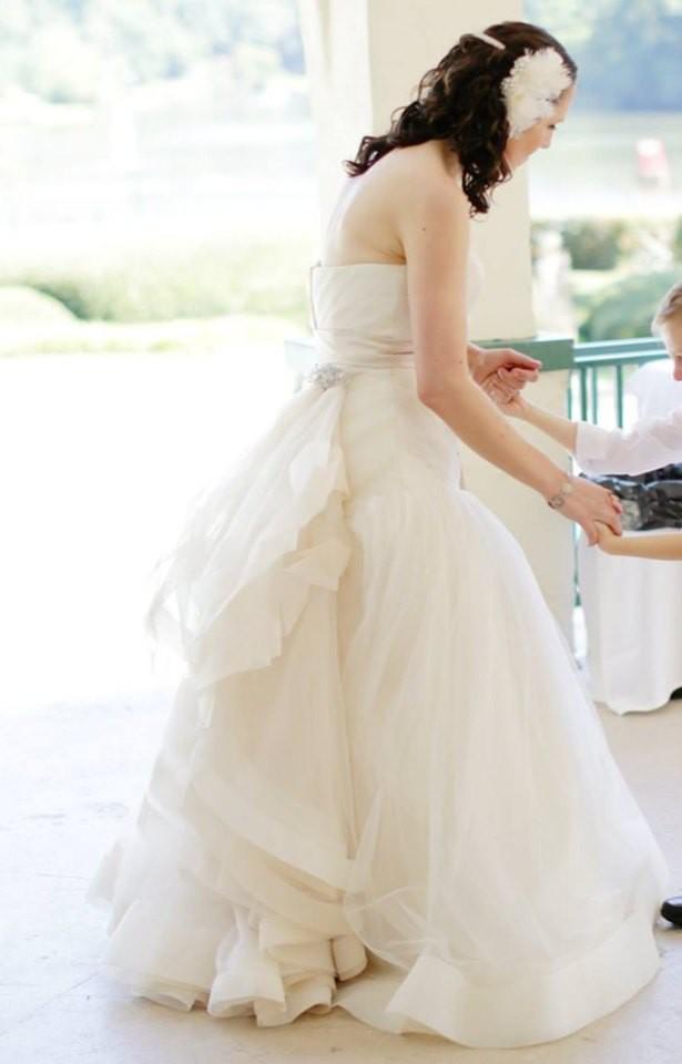 Vera Wang, Draped Wedding Dress