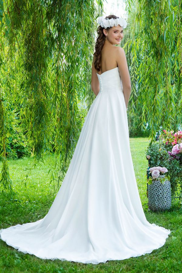 Sweetheart Gowns 6089