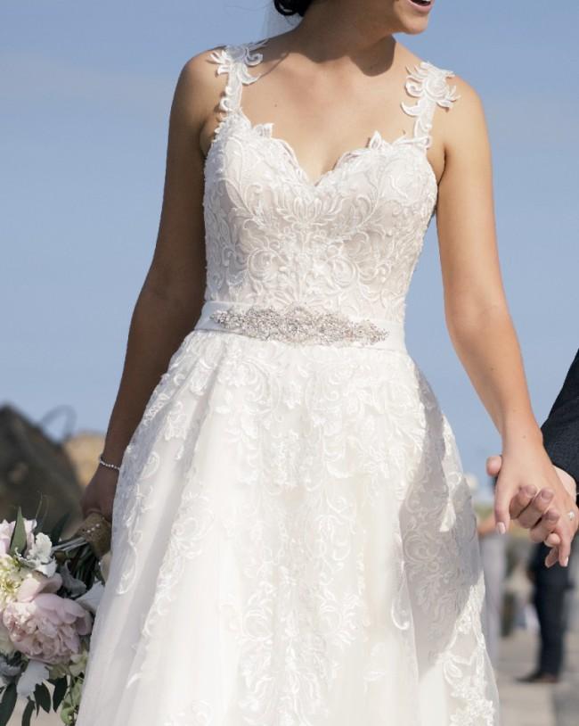 Allure Bridals Romance 2858