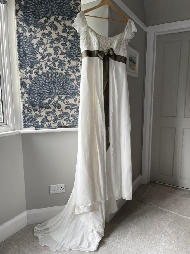 Allure Bridals 857