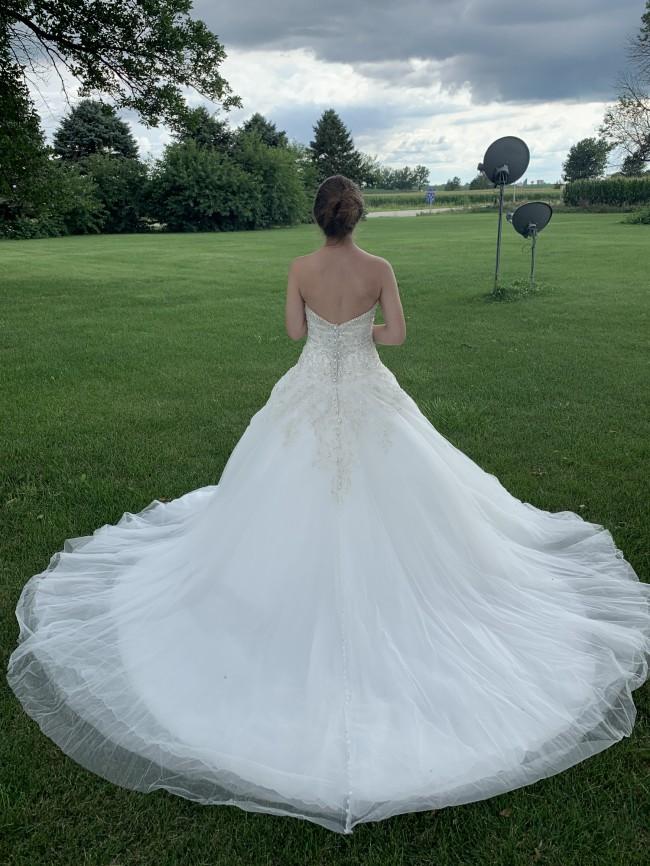 Allure Bridals 9639
