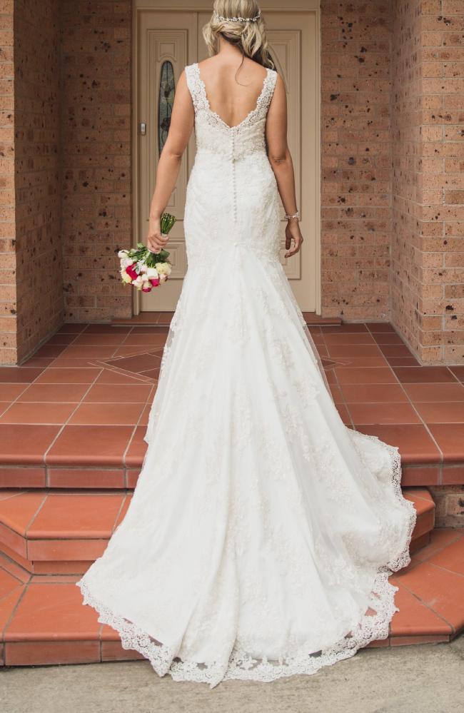 Allure Bridals, C207