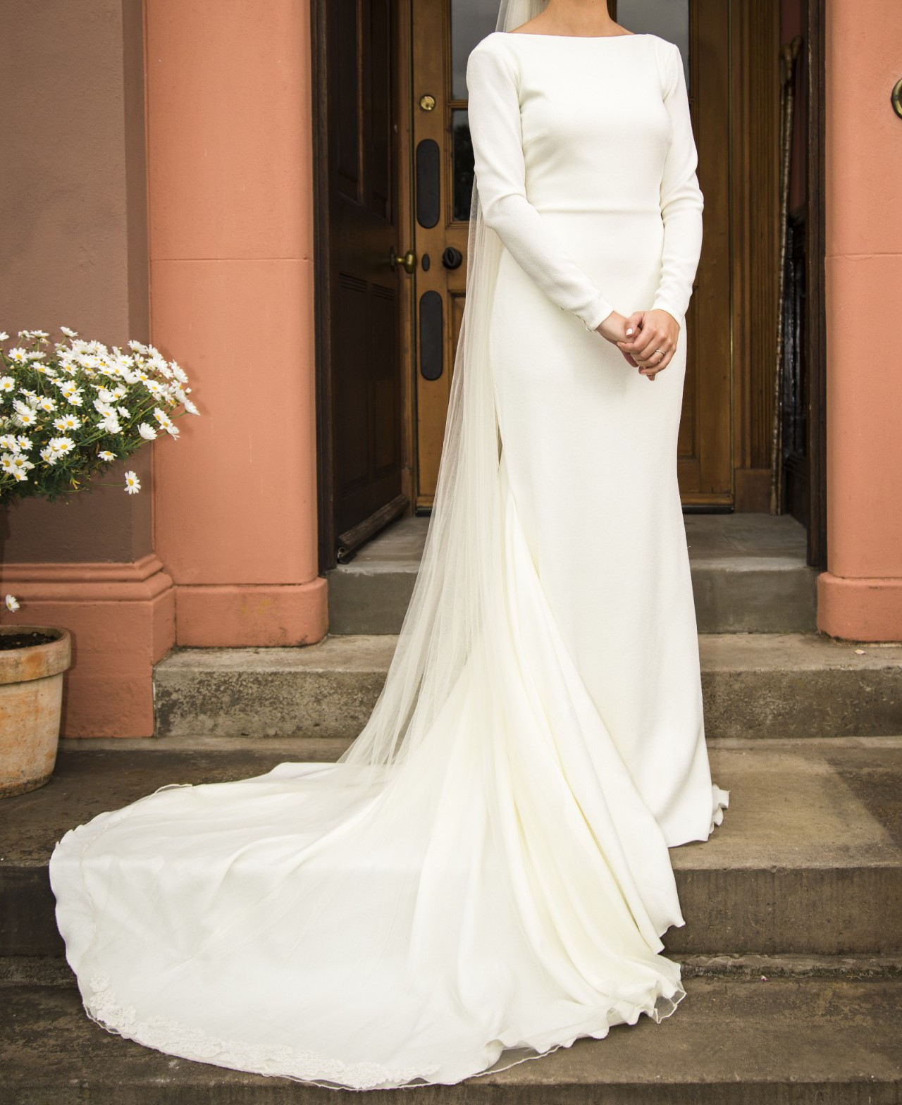 Pronovias Ivania Atelier Preloved Wedding Dress On Sale 50