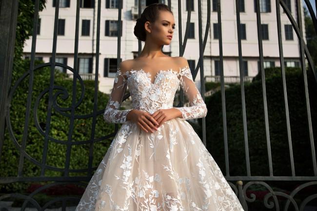 bbbc7877e3f3 Milla Nova Azalia New Wedding Dress on Sale 48% Off - Stillwhite ...