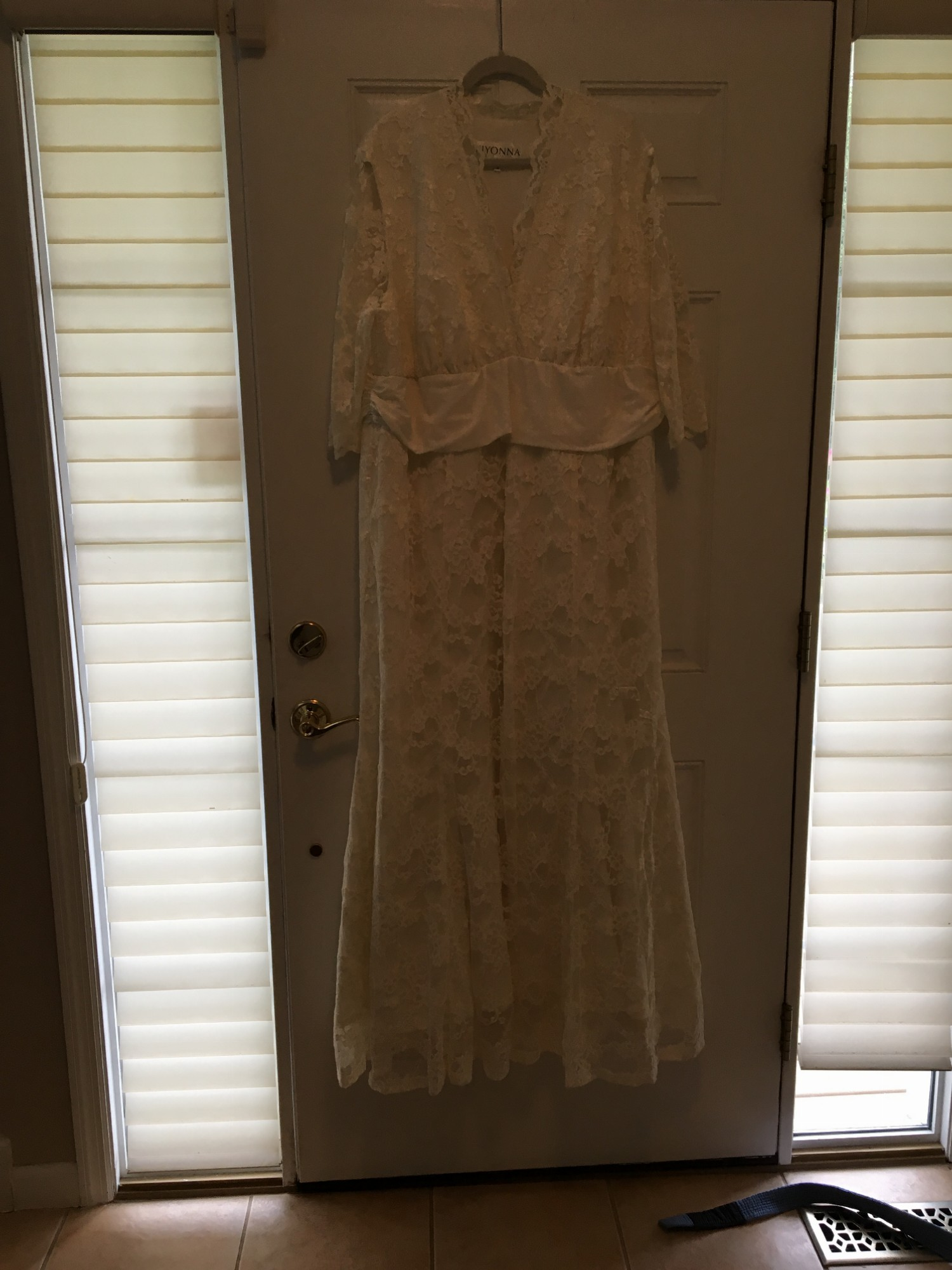 6d2ac8c8e99 Kiyonna Amour Lace Used Wedding Dress on Sale 48% Off - Stillwhite