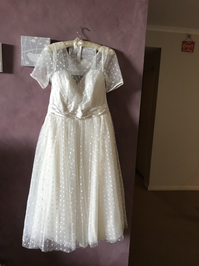 Loulou Bridal, Nellie