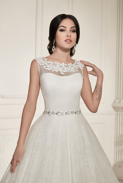 04634b0bce9 Ida Torez 023 Vega New Wedding Dress on Sale 17% Off - Stillwhite South  Africa