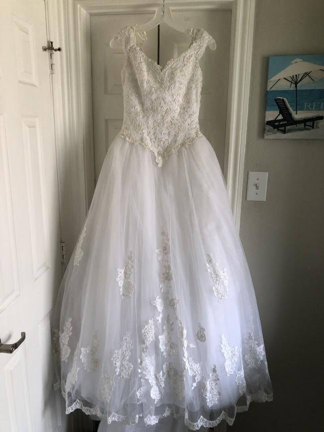 David's Bridal CT2881A