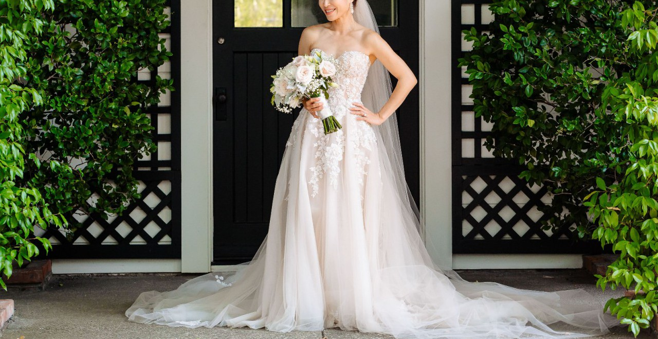 Pronovias Vicenta Second Hand Wedding Dress On Sale: Galia Lahav Gia Second Hand Wedding Dress On Sale 40% Off