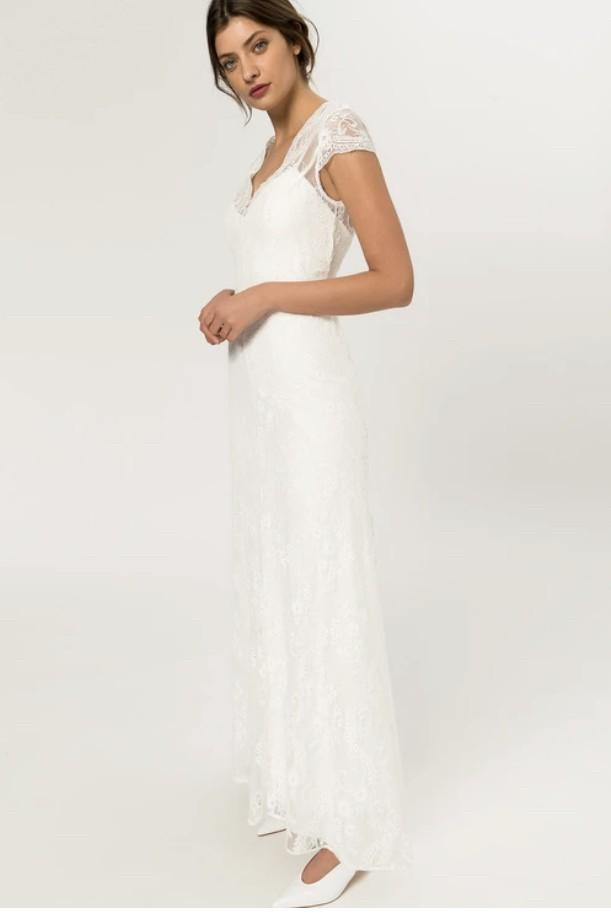 Ivy & Oak Bridal Cap sleeve lace gown