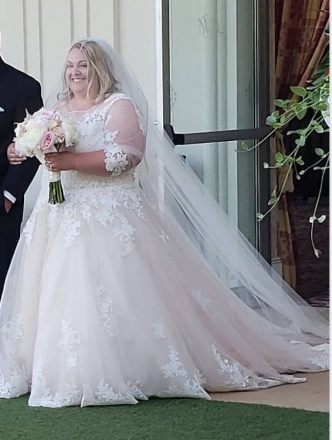 fb797a1aa33bb Allure Bridals Custom Made (Original W405) Used Wedding Dress on ...