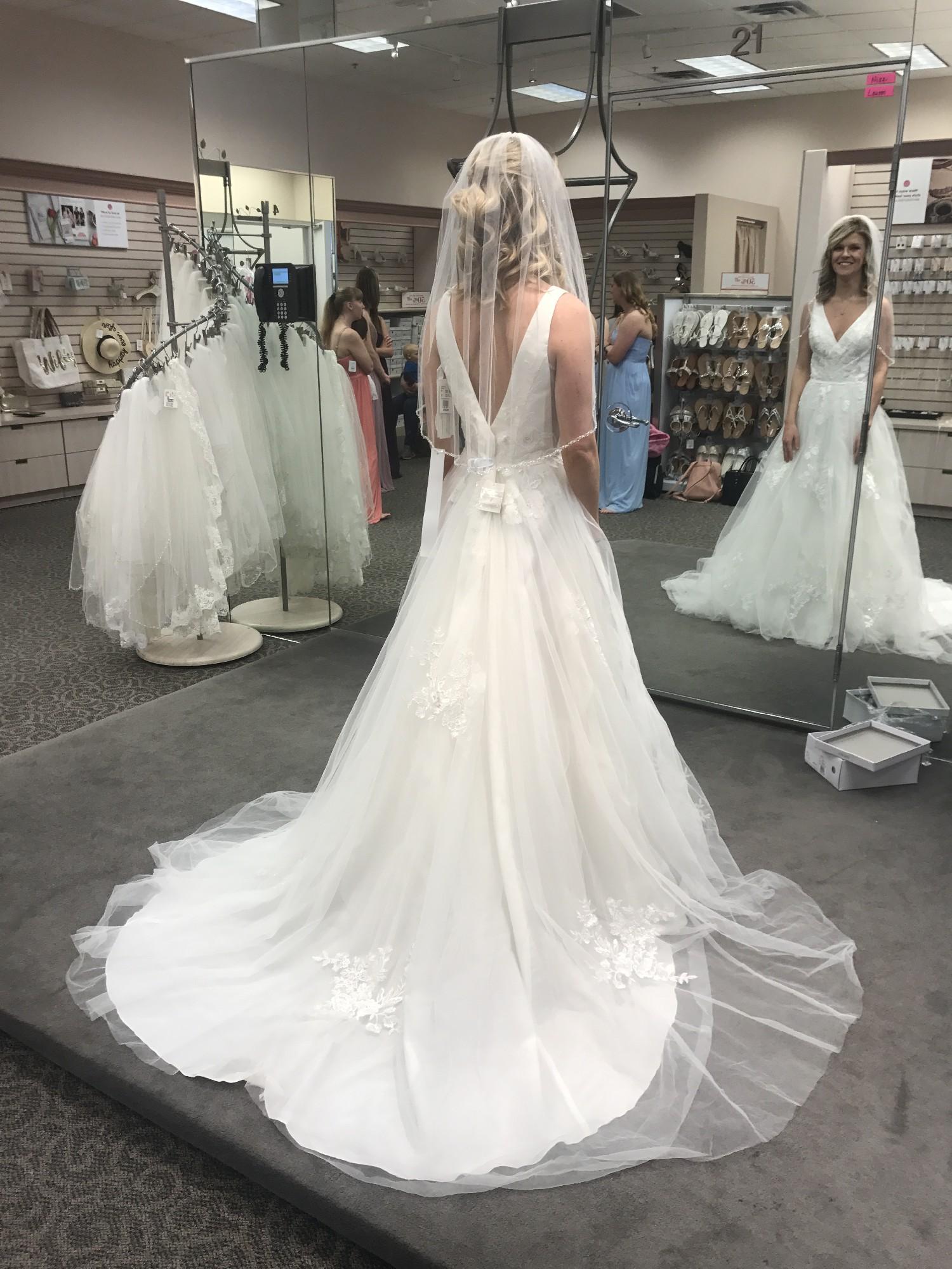 David's Bridal WG3877 New Wedding Dress Save 38% – Stillwhite