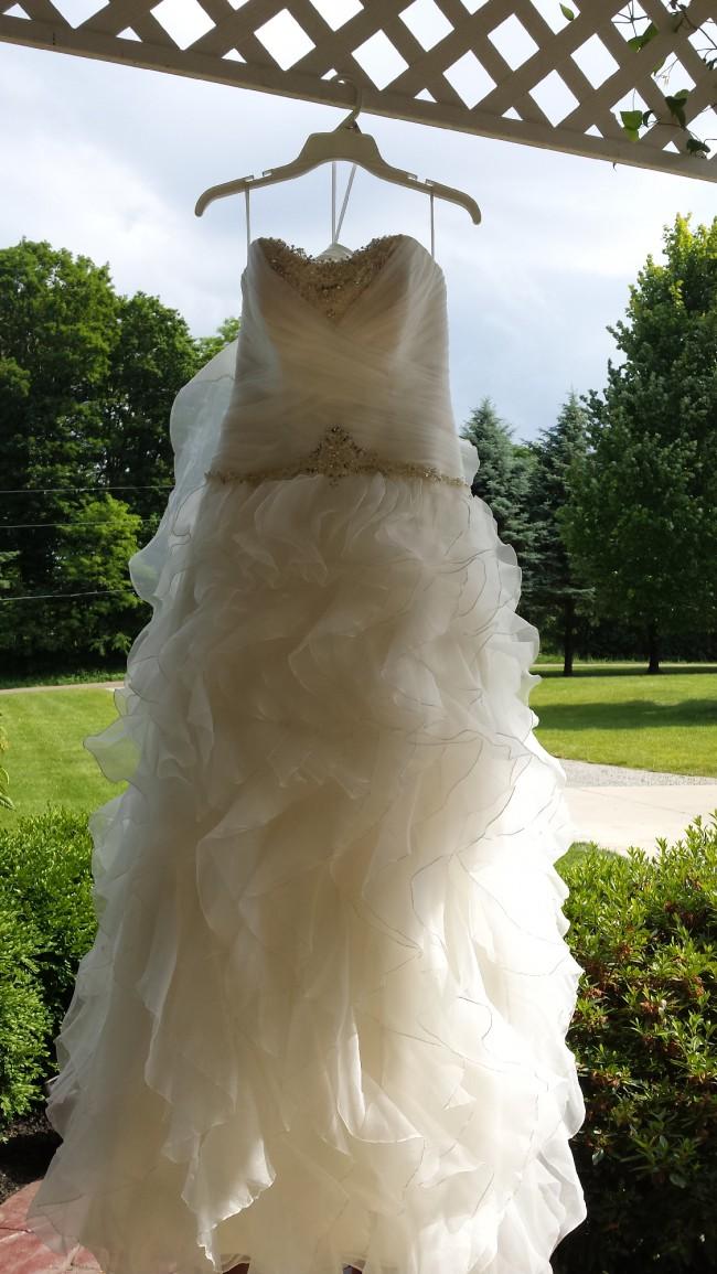 Casablanca Bridal Style 2078