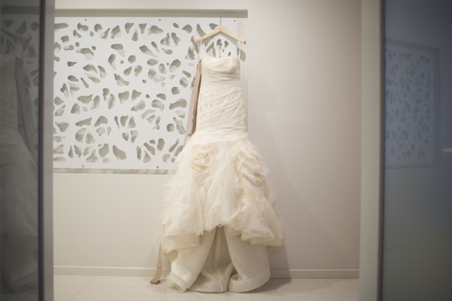 946061ac3626 Vera Wang Gemma Second Hand Wedding Dress on Sale 55% Off ...