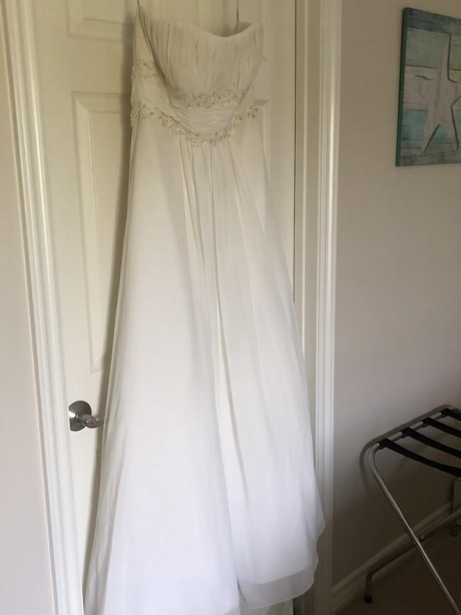 David's Bridal V9497Ivory