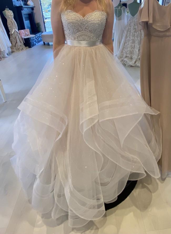 Wtoo Bree Beaded Corset, Nessa Skirt, & Veil