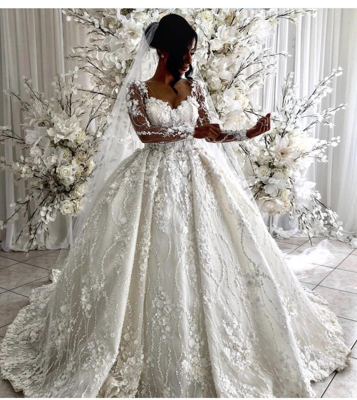 Second Hand Wedding Gown: Suzanna Blazevic Custom Made Ball Gown Second Hand Wedding