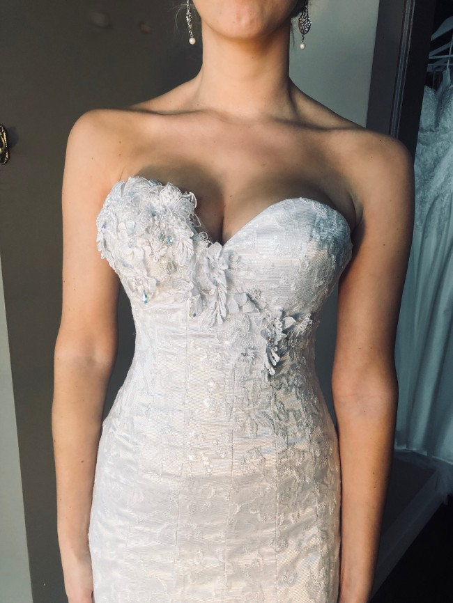 Brides Desire, Coraleigh