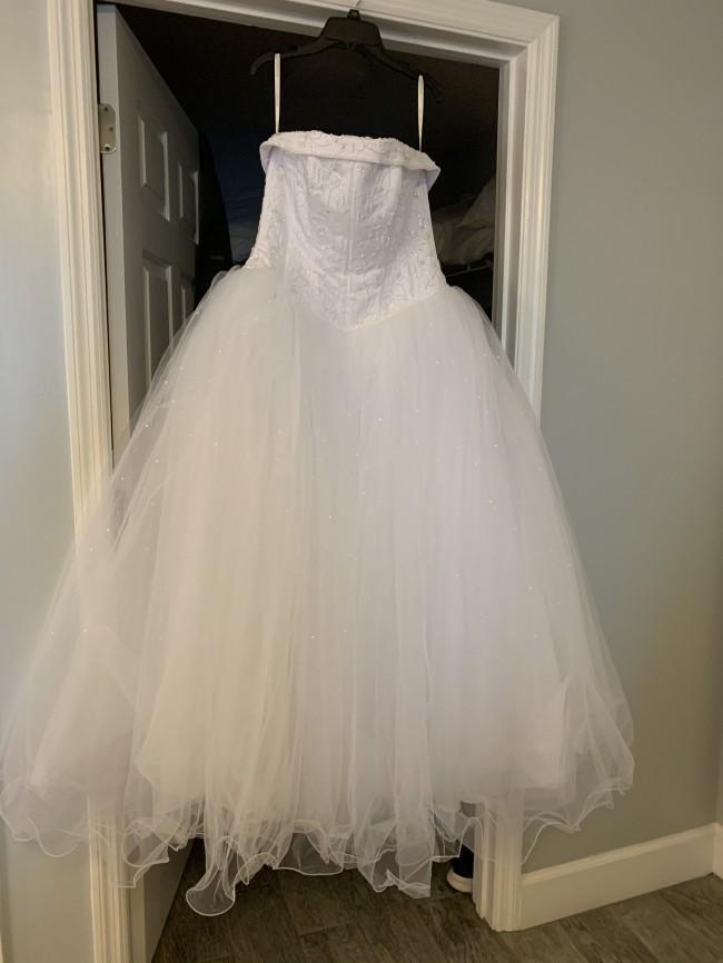 David's Bridal, T8017
