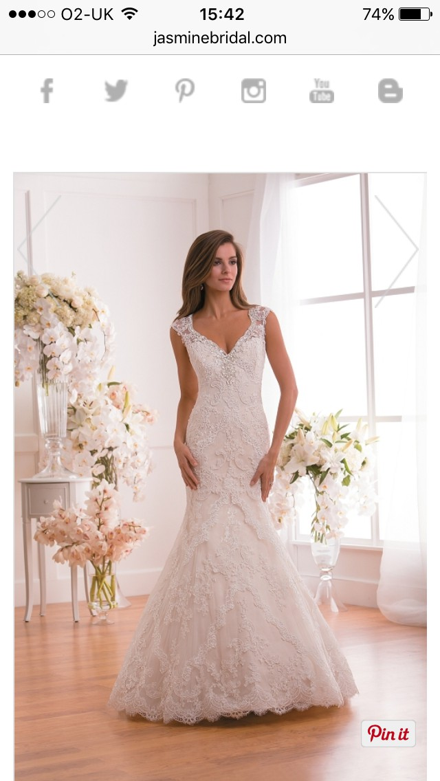 Jasmine Trumpet Wedding Dress