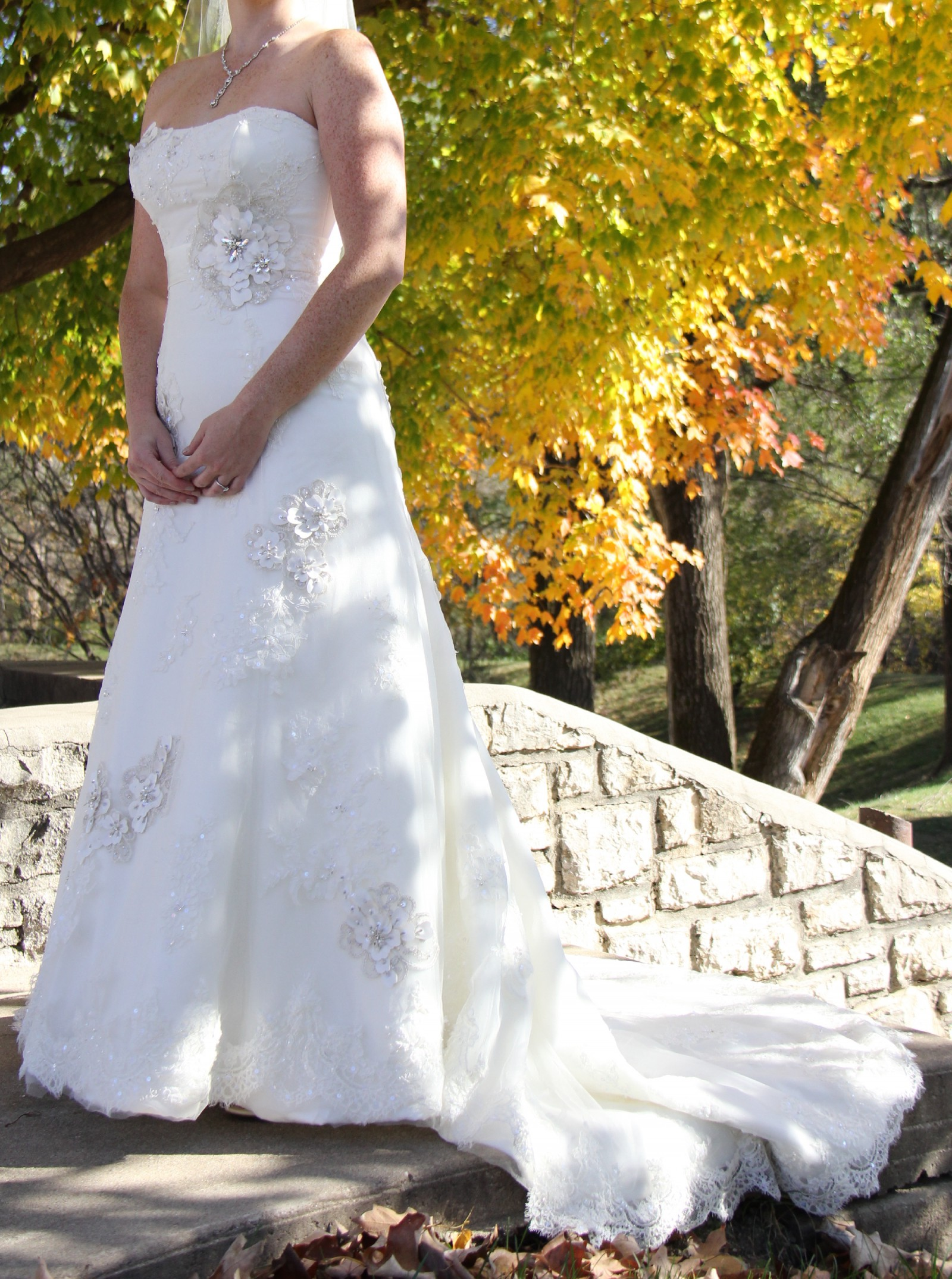6127b6d666521 Maggie Sottero Geneva Second Hand Wedding Dress on Sale 56% Off -  Stillwhite Australia
