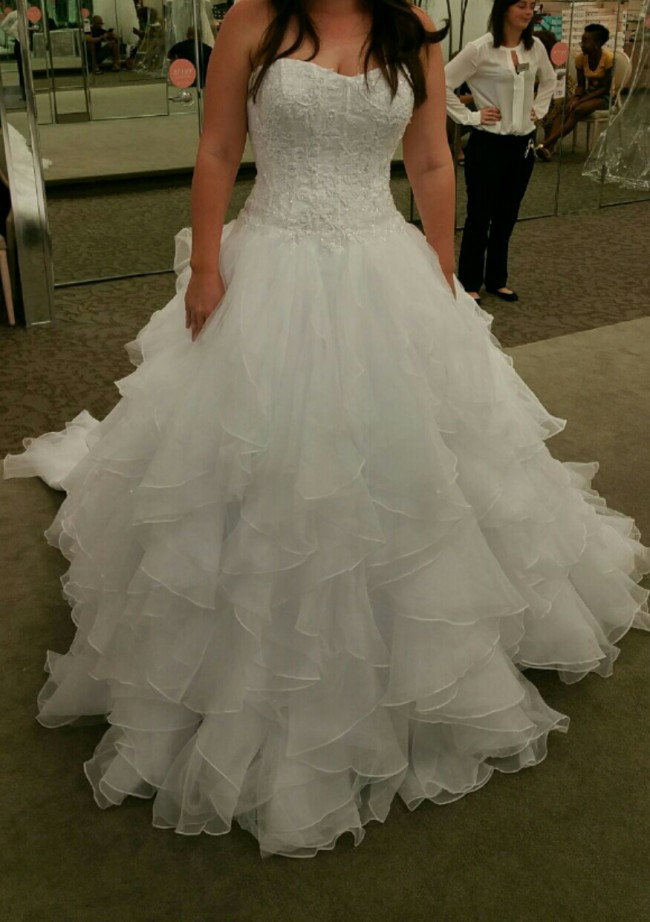 0c66f9cd30be Oleg Cassini Cwg568 Second Hand Wedding Dress on Sale 83% Off ...