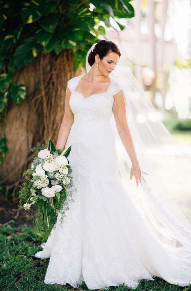Pronovias Letha dress & V-2758 bridal veil