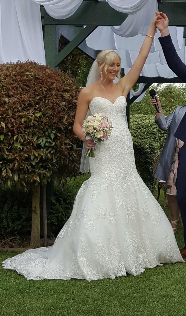 Allure Bridals 9261