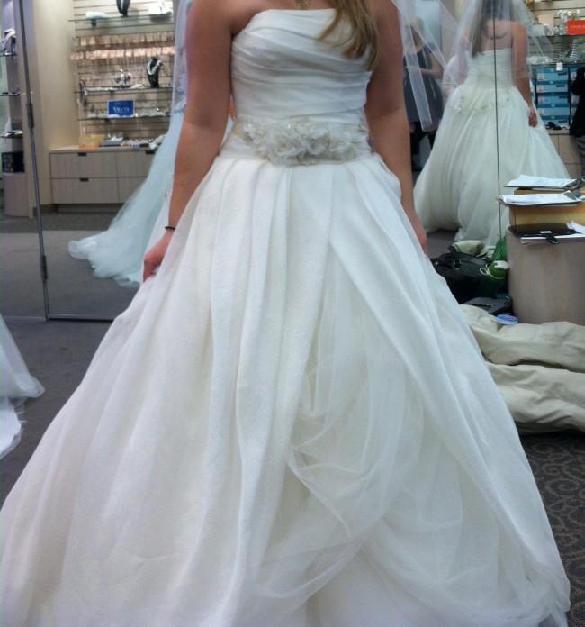 f4d8cfacb9b5 Vera Wang Textured Organza New Wedding Dress on Sale 53% Off ...