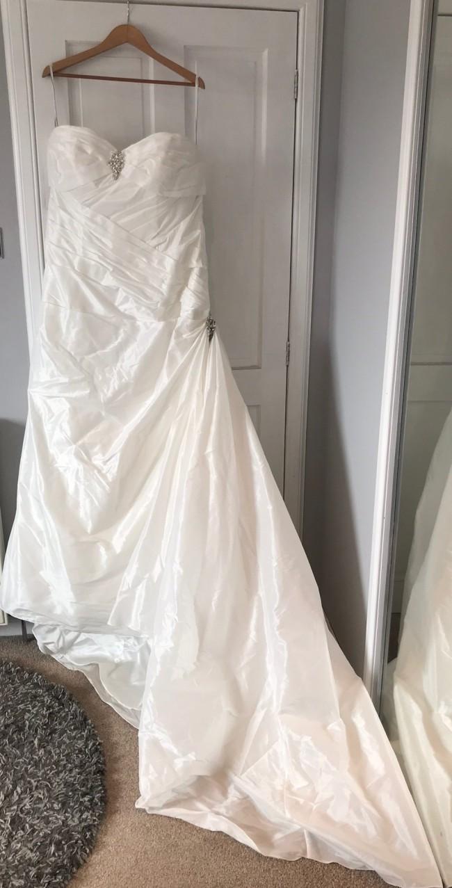 Impression bridal 3065