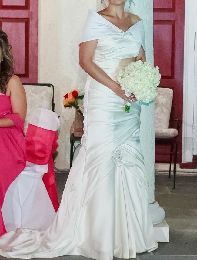 Casablanca Bridal Style 2037