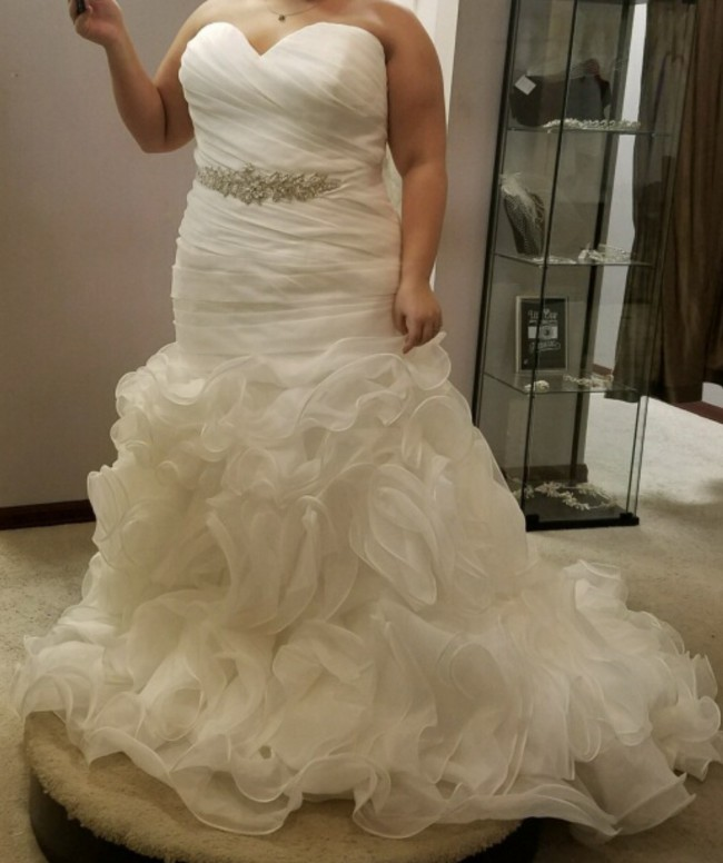 Allure Bridals, W353