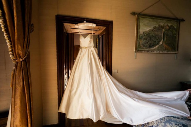 Suzanne Neville, Wedding Dress with Bow & Extended Veil size 8-10
