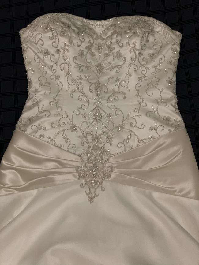 Allure Bridals, 8362