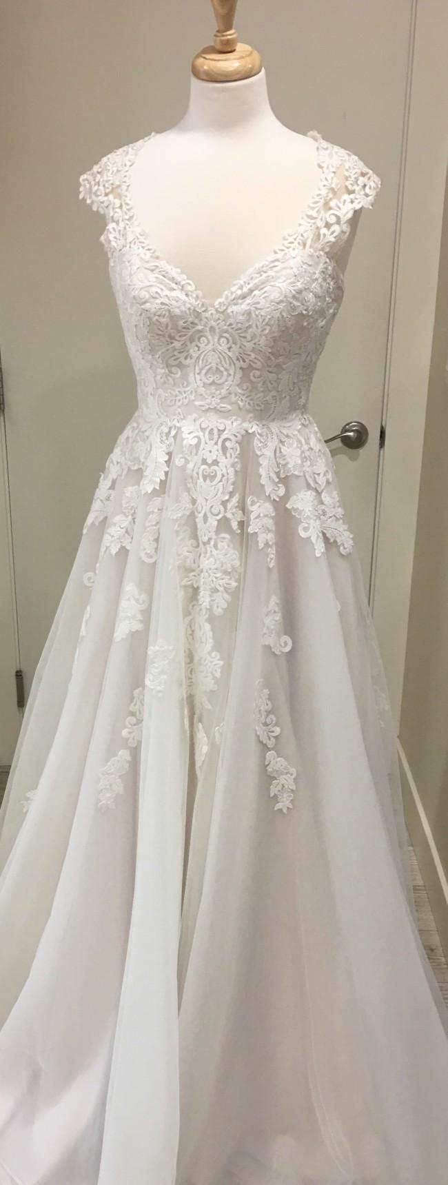 539dfb00d1 Stella York 6391 Sample Wedding Dress on Sale 30% Off - Stillwhite