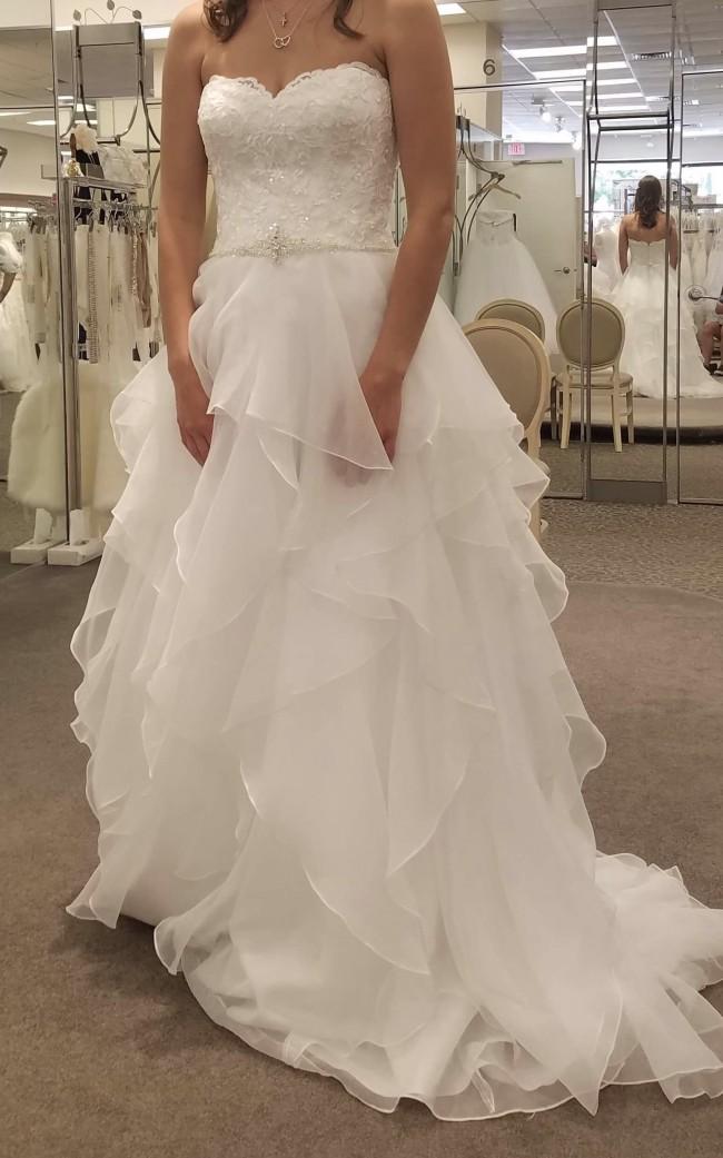 c4fb268c01a2 David's Bridal New Wedding Dress on Sale 14% Off - Stillwhite Australia