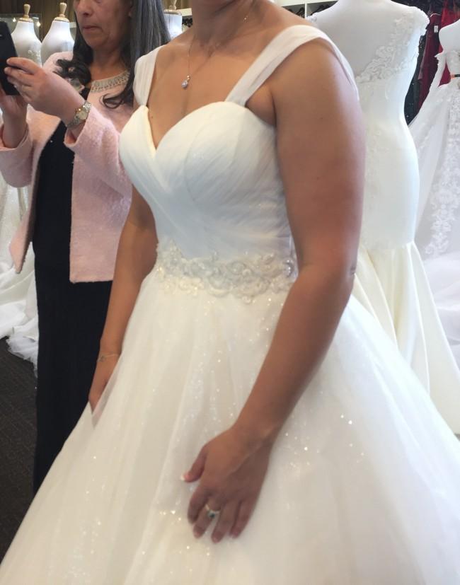 Idora Bridal, Bridal Gown