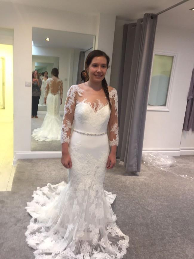 Enzoani Kapri Ivory Bridal Gown